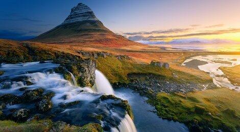 Исландия — страна льдов.