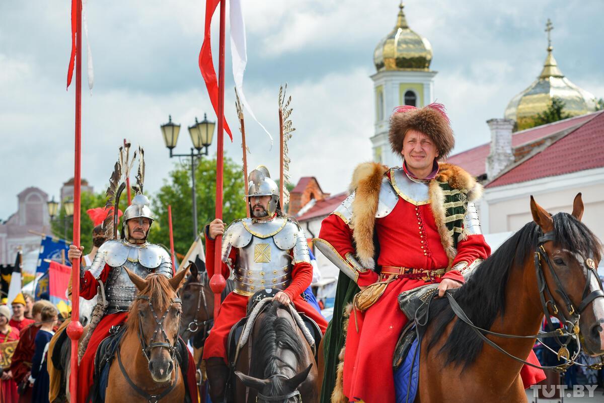 Посмотрите, как живут и бьются  на фесте в Мстиславле  (Беларусь).