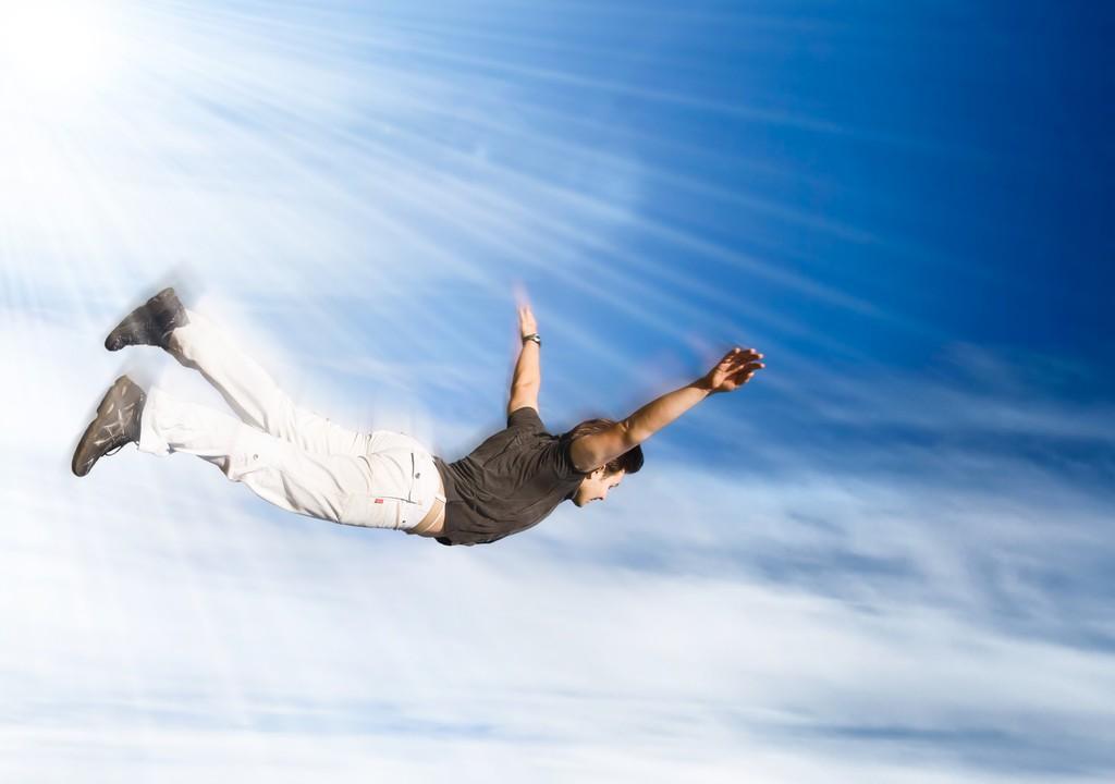 Человек в облаках фото