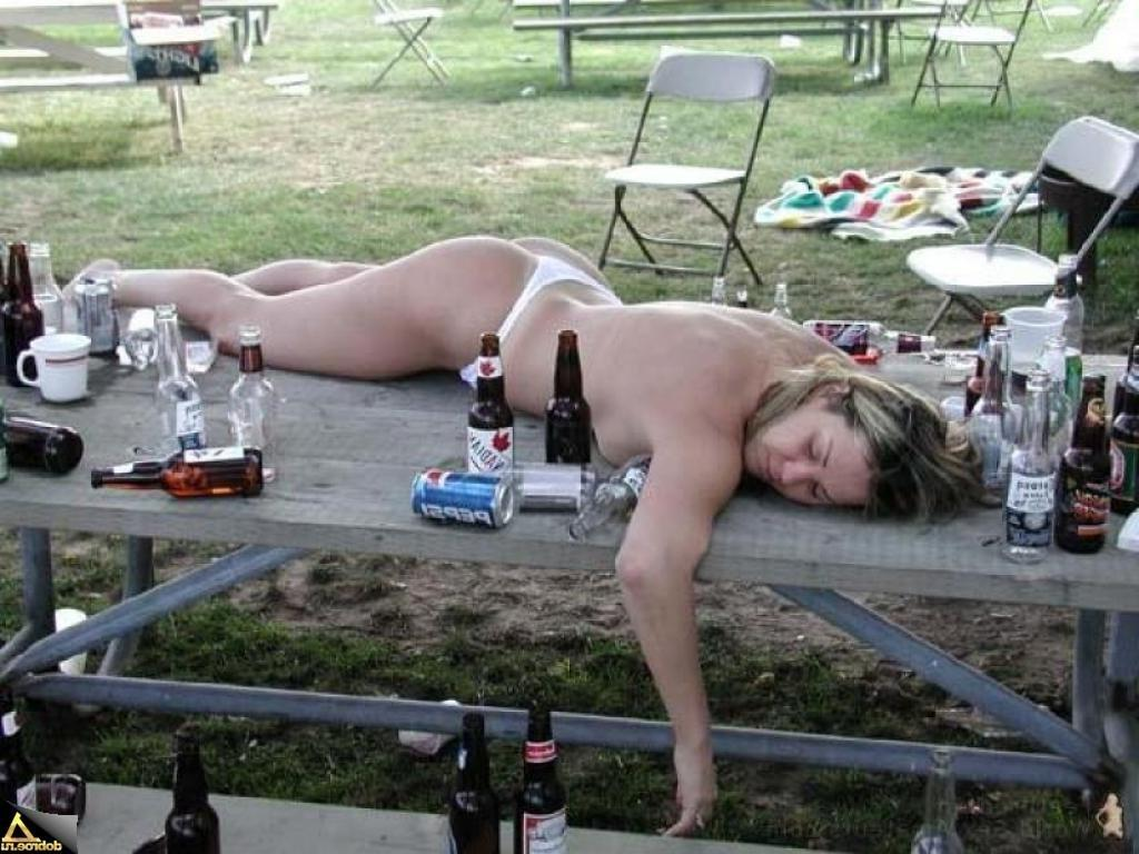 Голые пьяные тетки фото