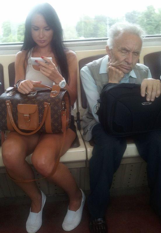 fetich upskirt в метро фото
