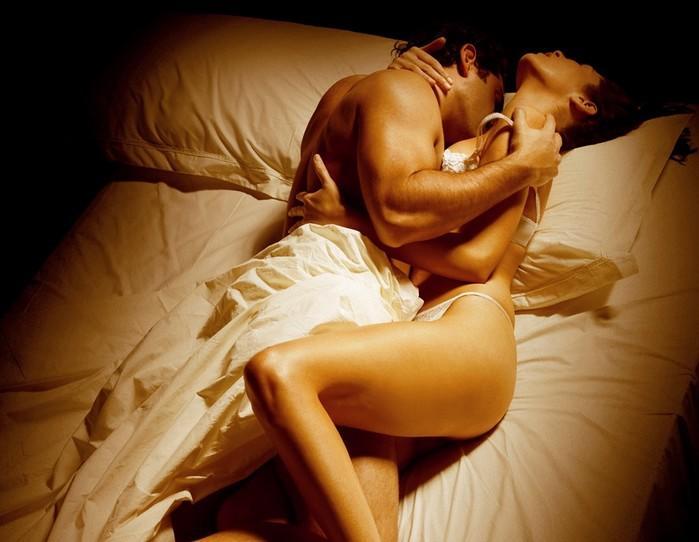 Страстная ночь любви муж и жена видео, грудь женщины голые настоящие