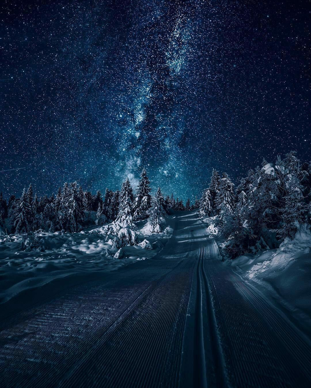 свете фото на телефон снег очень