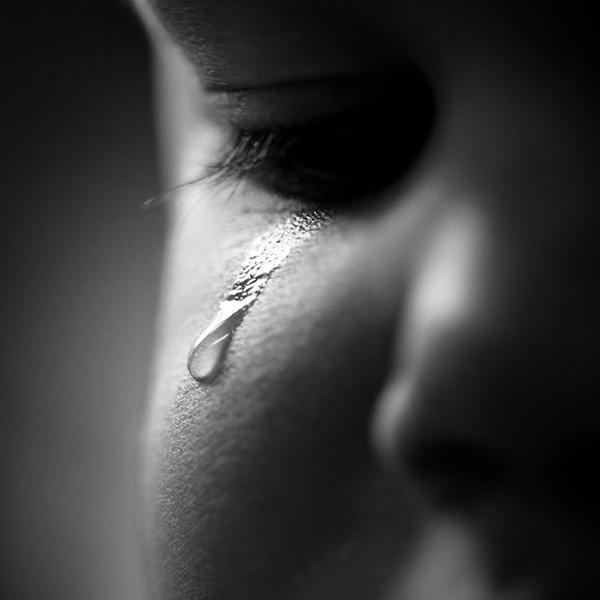 Слезы боли картинки