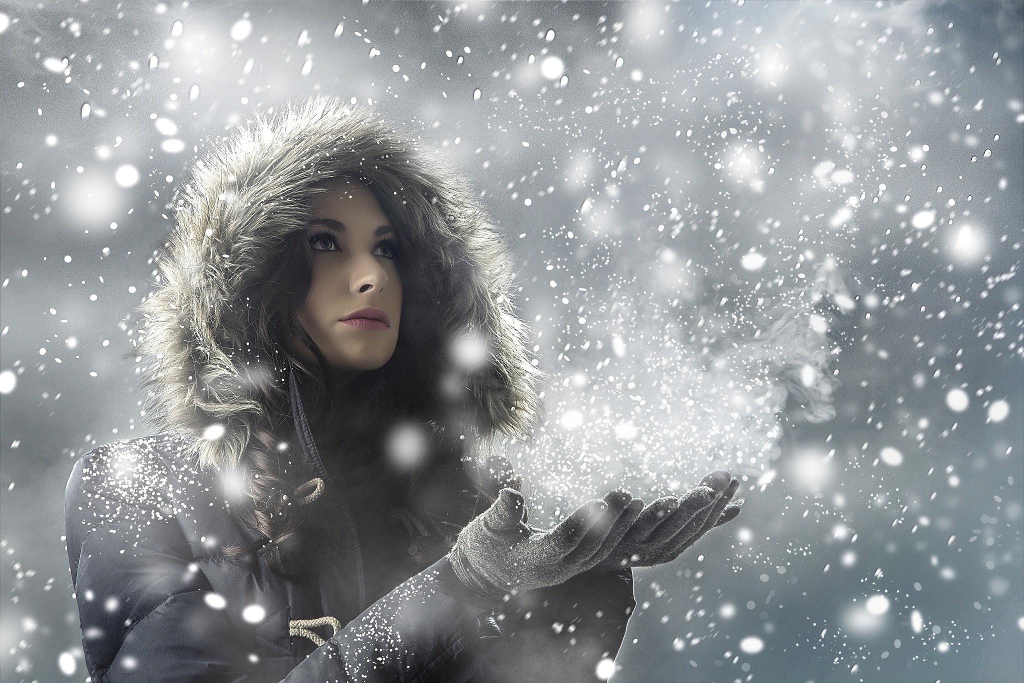 девушка снег капюшон лицо скачать