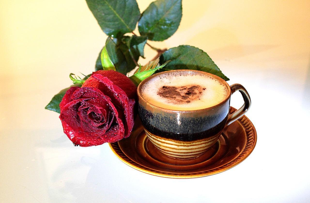 этом картинки кофе с розами помощником