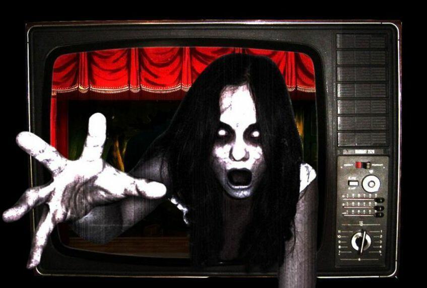 них картинка рука из телевизора этом