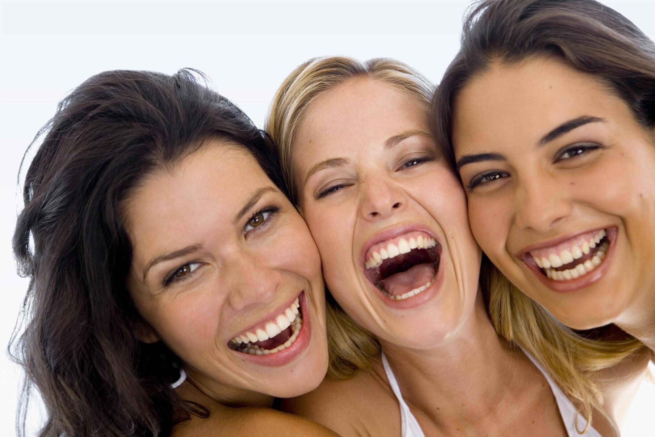 смеющийся человек фото девочки