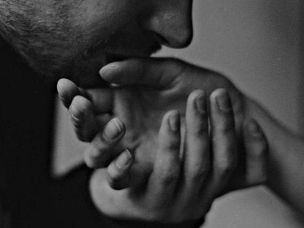 Открытки руки целовать
