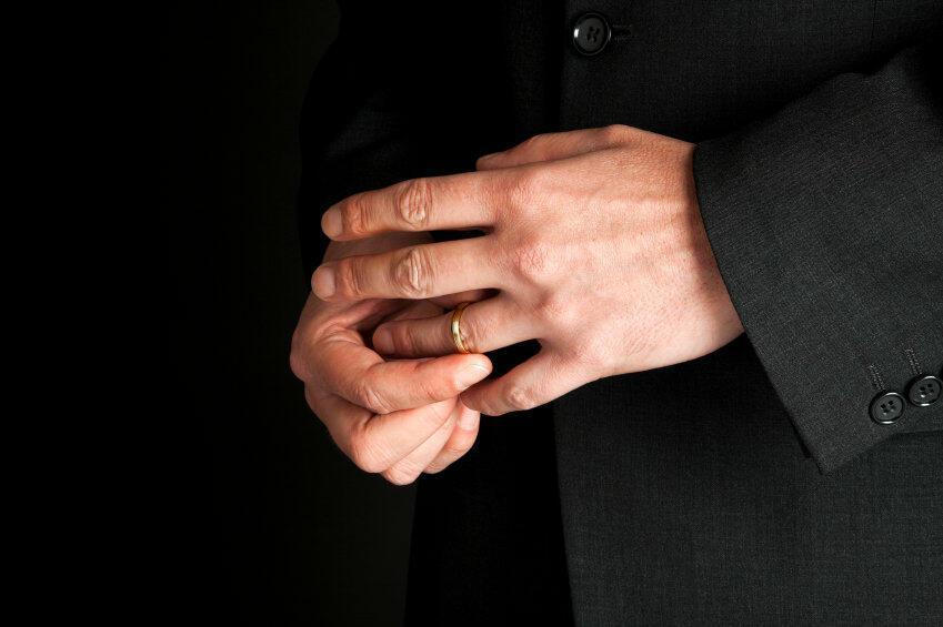 Приблизьте руку ( шарж на Павлина Смородина)