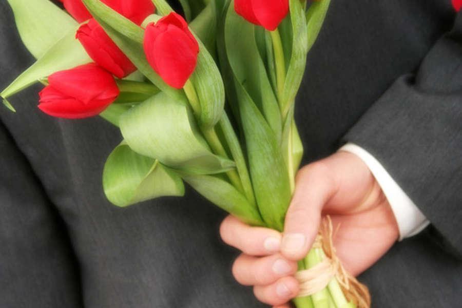 Ландышей, какие цветы подарить подчиненным на 8 марта