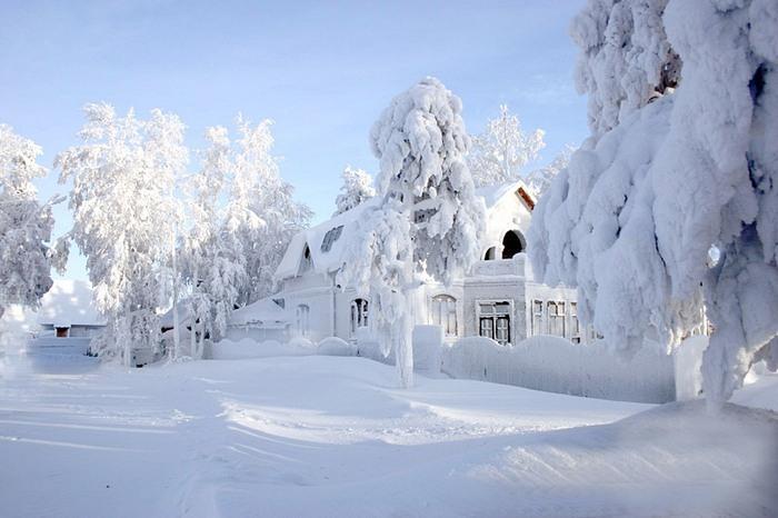 Снег летит за окном (акро)