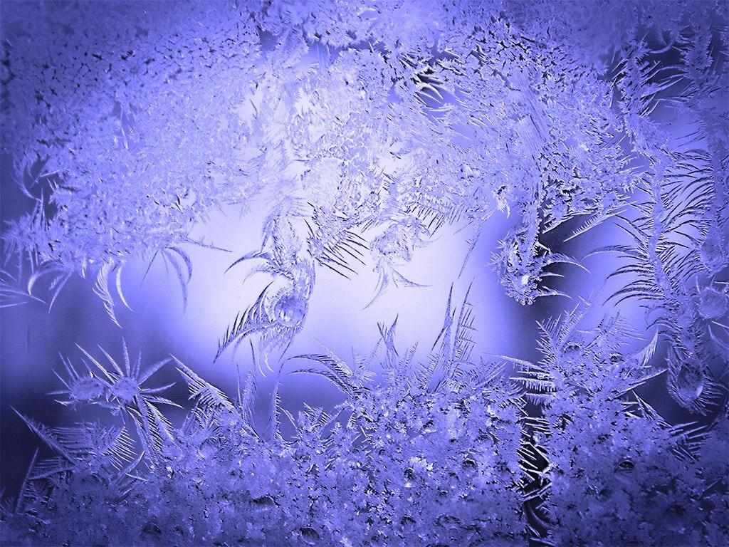 рисунок на стеклах снегом изделия