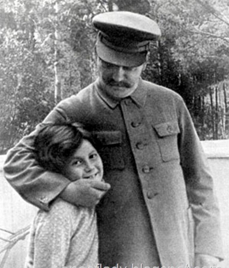"""Мать (Фрагмент стихоромана """"Сталин, муки"""")"""