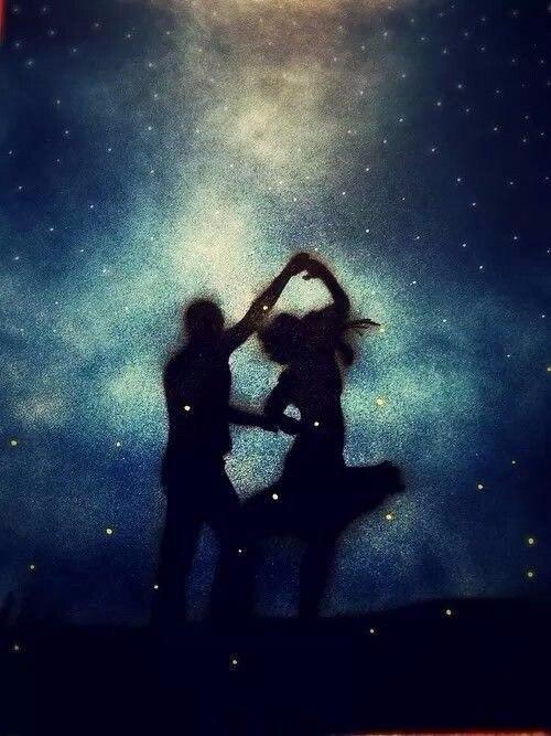 потанцуй со мной парень поет с девкой дорожки