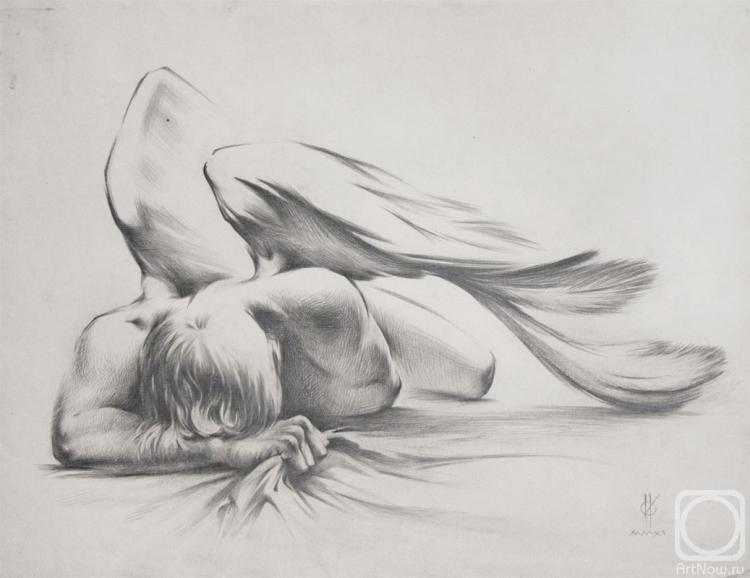 Она любила рисовать и рисовала ангелов