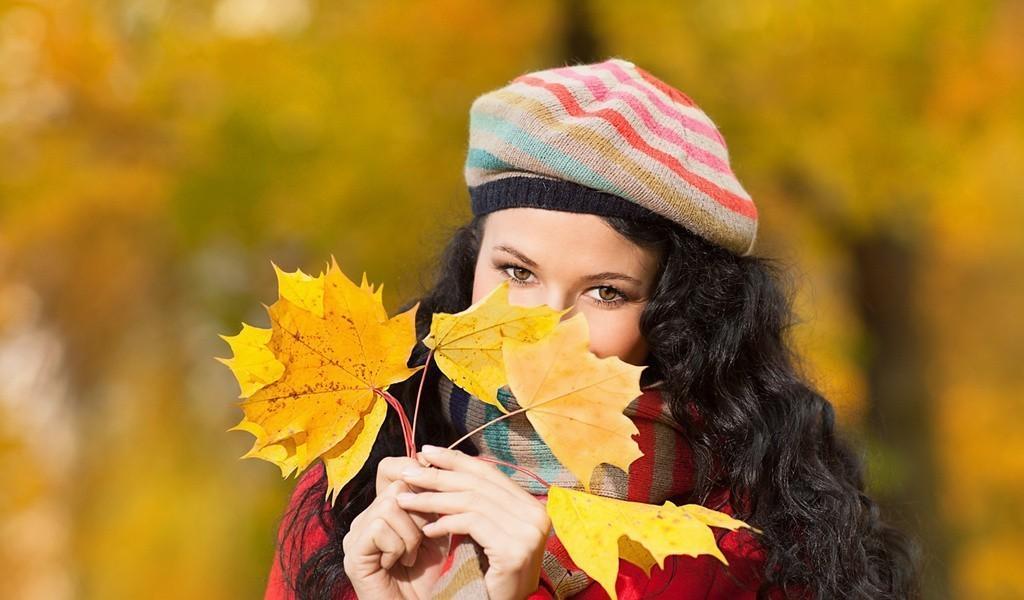 девушка берет осень бесплатно