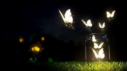 Все - таки  ночь - это тоже любовь... И не надо бы в том сомневаться.Только лишь ночь разрешает такую нам жизнь, нет в которой...