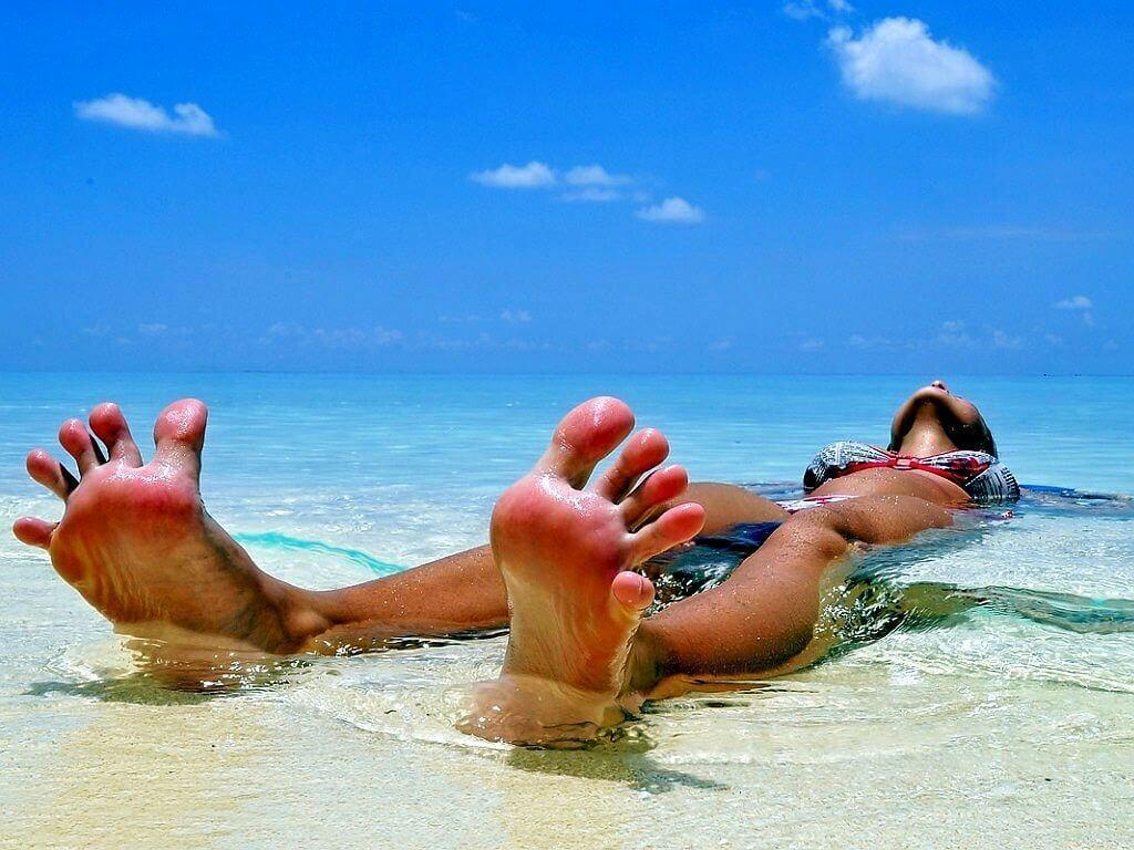 На пляже прикольные картинки