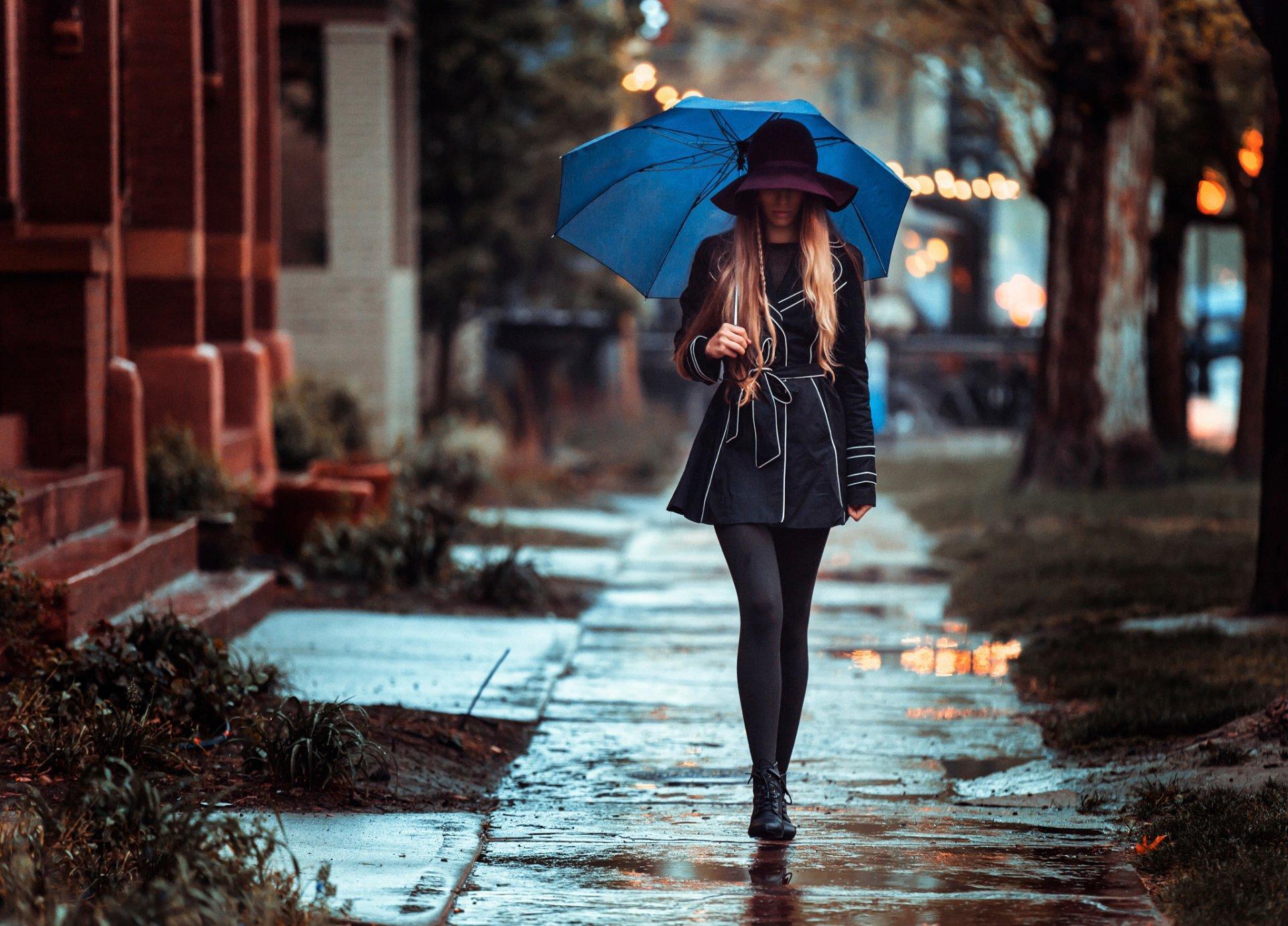 девушка зонт дождь природа  № 3582397 бесплатно