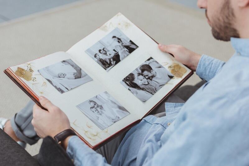 Листаю альбомы с фото