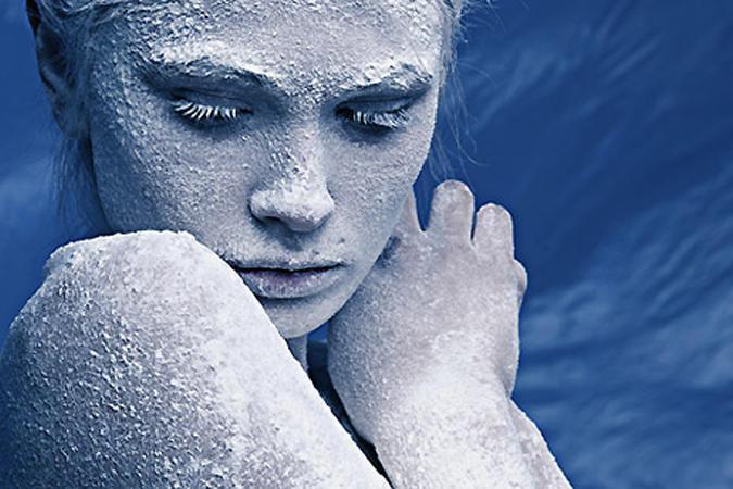 Пришёл мороз, пошли на убыль   Все наши встречи, чувства, дни.   Где твои руки, твои губы?   И снова, снова мы одни.     От э...