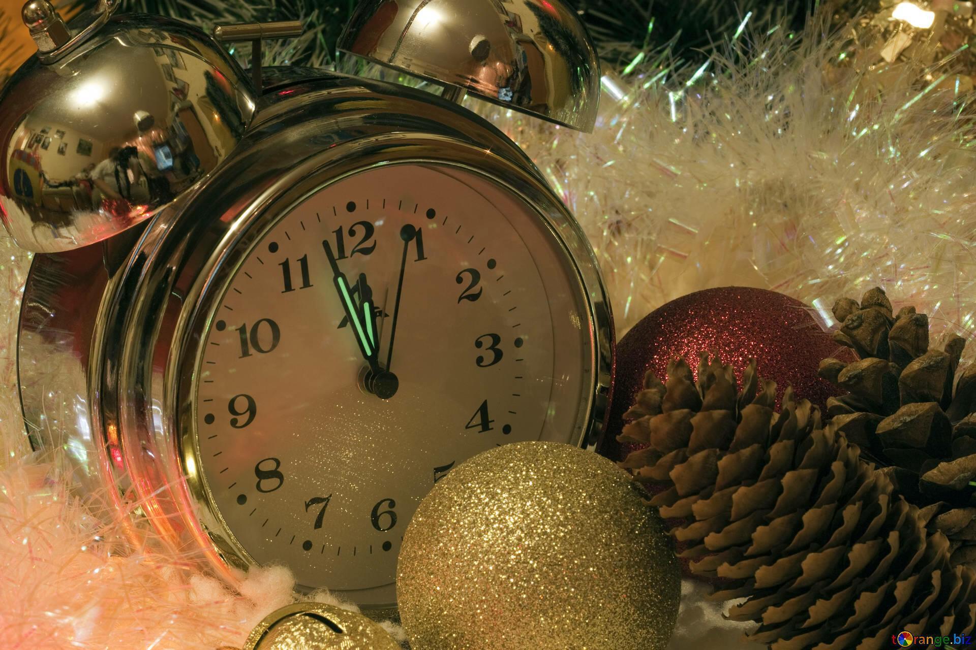 картинки часов на новый год отправкой документ