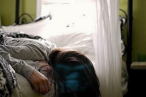 Снова в постели от печенья крошки,<br /> А в душе...