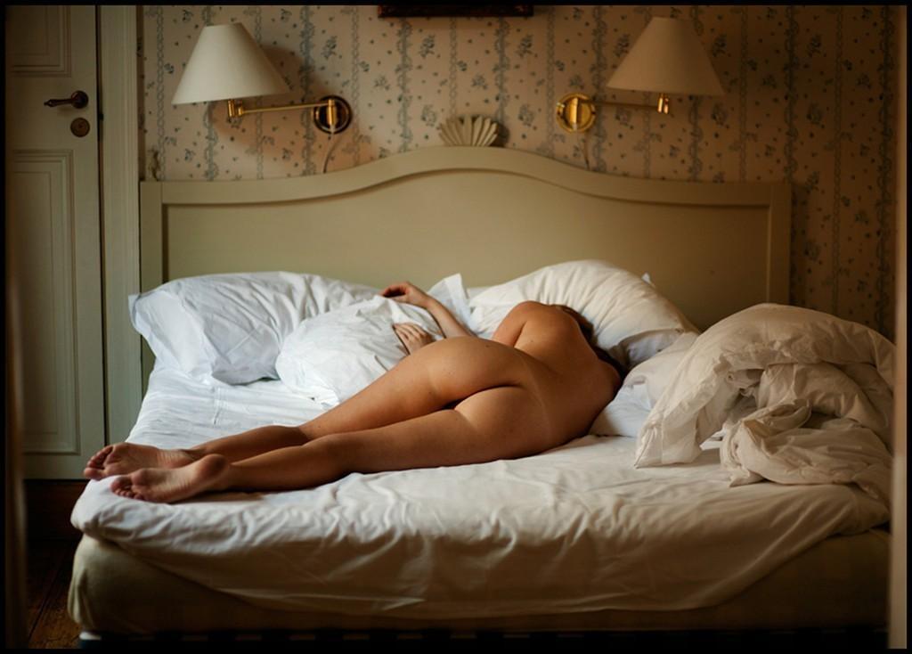 Утро Обнаженные В Кровати