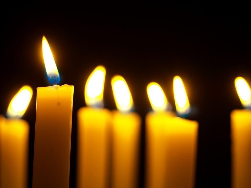 Я молю тебя, Всевышний,<br /> Сохрани и защити!<br /> Пусть, молитву еле-слышно,<br /> Но ее услышишь ты.<br /> Я...