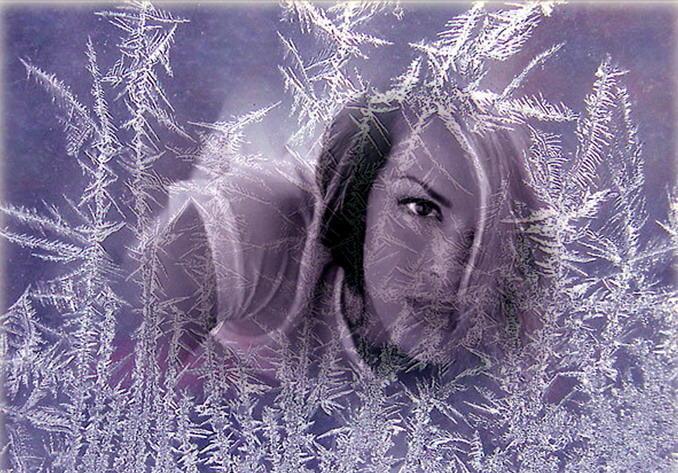 На улице трещит мороз На провода лёг иней.       И столько незабытых грёз       В холодный вечер зимний:...