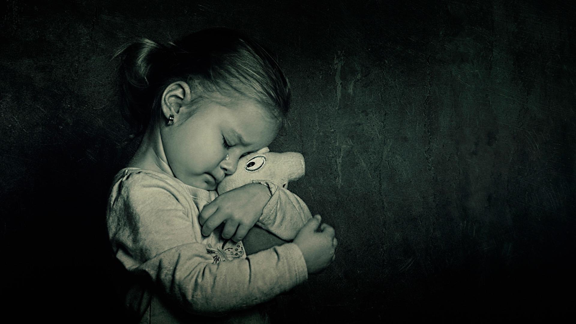 Грустные картинки про детей с надписями до слез, открытки объем открытки