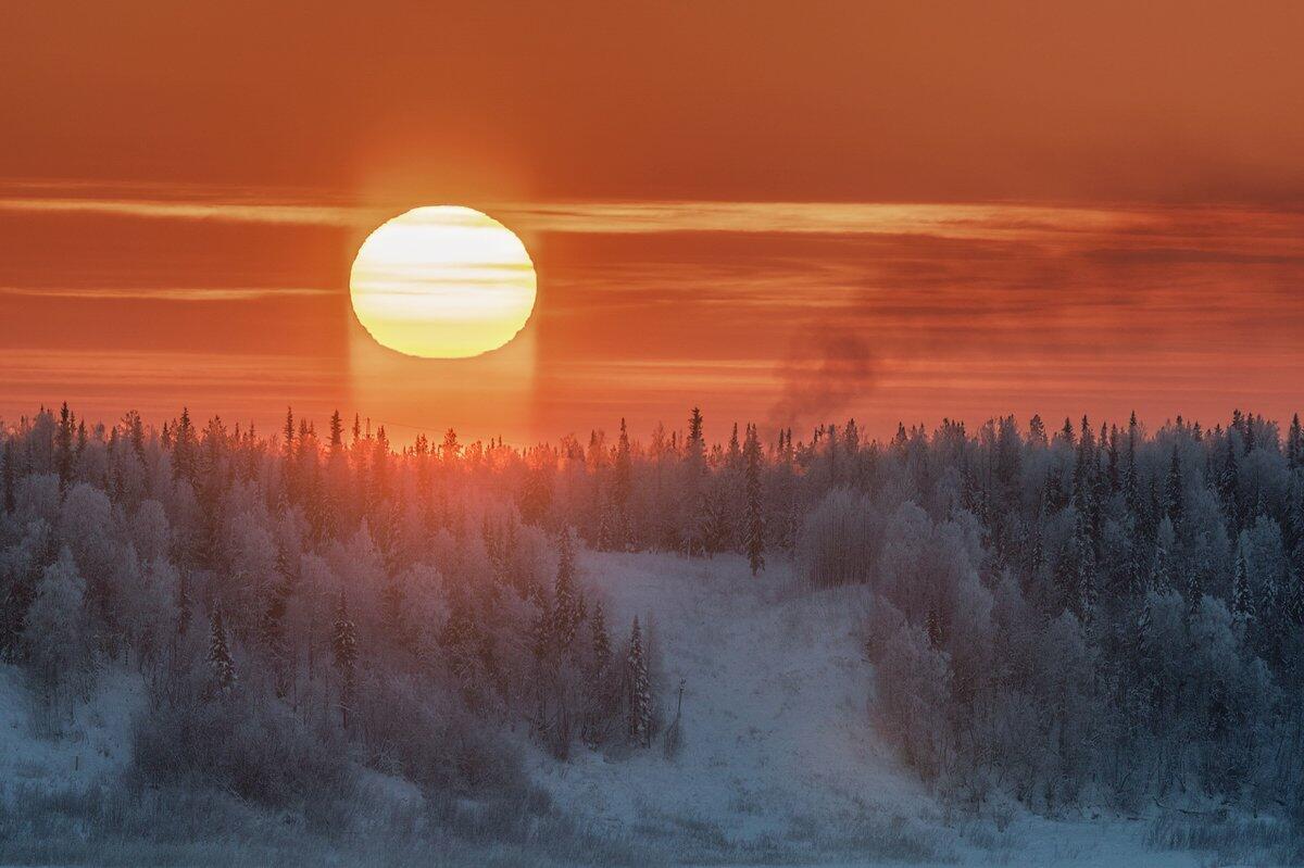 Гаснет солнце закатно-карминное