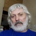 Поэт Арбузов Александр, стихи которого вы можете прочитать в поэтической социальной сети Поэмбук.